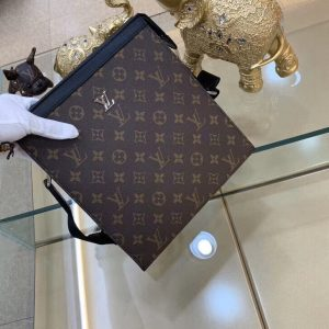 Túi đeo chéo da bò Louis Vuitton – LKM460