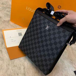 tui_deo_cheo_hang_hieu_Louis_Vuitton