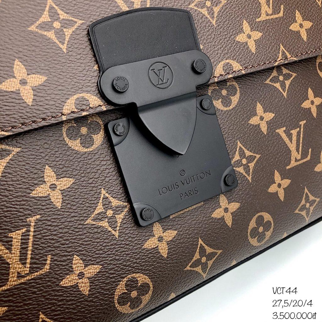 Vi-Clutch-Louis-Vuitton-S Lock A4 Pouch